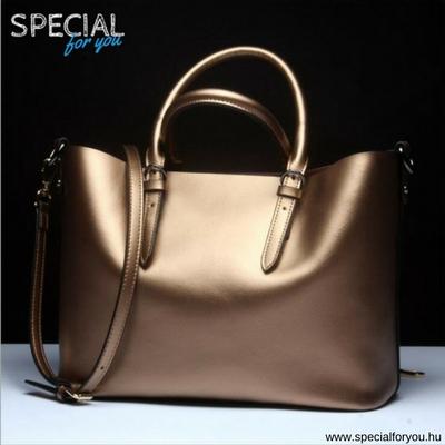 Glossy Chick - arany táska 33bf040b84